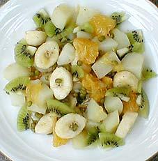 緑豆とバナナ、キウイのサラダ